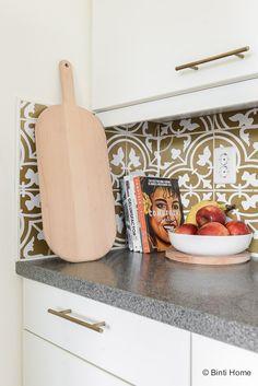 4 styling tips voor de keuken in een huurwoning met handige diy's Big Houses, Beautiful Kitchens, Diy Room Decor, Toilet, Diys, Sweet Home, Kitchen Ideas, Decor Ideas, Dreams