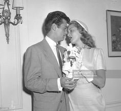 Photo d'actualité : Tony Curtis and wife Janet Leigh spend some...