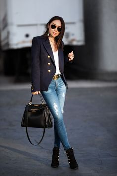 Fitfabfunmom You are in the right place about short Blazer Outfit Here we offer you the most beautiful pictures about the Blazer Outfit rosa you are looking for. When you examine the Fitfabfunmom part Balmain Blazer Outfits, Blazer Outfits Casual, Blazer Outfits For Women, Business Casual Outfits, Chic Outfits, Fall Outfits, Fashion Outfits, Semi Formal Outfits For Women, Blazers For Women