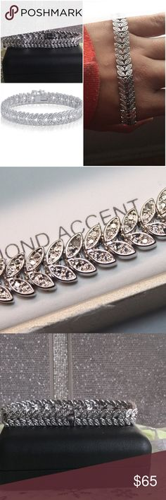 """❄️💎$299 14K Gold Natural Diamond Leaf 🍃Bracelet Stone Characteristics Type: white diamond Treatment: genuine Total number of stones: 2 stones Cut: good- Color: I-J- Clarity: I2-I3- Carat.       ❄️.  weight: 0.02 CTTW  Metal Characteristics Metal: base metal Is metal solid?: yes Plating: 14K gold Finish: polished Nickel-free: yes Dimensions and Weight Weight: 19g Full dimensions: 0.35""""x7.00""""x0.09"""" Clasp type: GB+lock  Personal Sidenote/Opinion:  bracelet is rigid at first but…"""