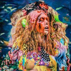 Com base em Nova York, Francine Spiegel cria imagens em grande escala com figuras monstruosas. Com um estilo que remete aos posters de filmes trash e terror dos anos 80, ela retrata pin-ups e outras mulheres recobertas por qualquer lodo ou liquido gosmento.