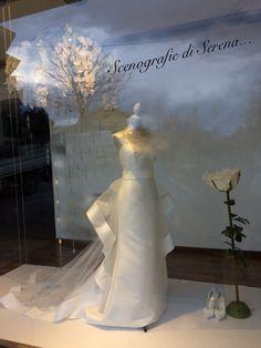 Cascata di fiori Vetrina sposa
