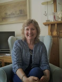 Elizabeth Ducie: Author: Elizabeth Chats with...Cathie Hartigan
