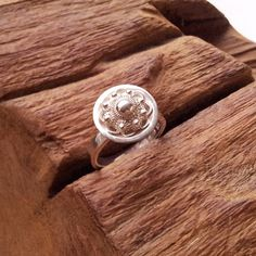 A real present for yourself or someone else! This silver ring with a Zeeuwse knoop on top. The Zeeuwse knoop is a traditional detail of regional costume from the early days of the Netherlands, specific from the province Zeeland. I create this new ones inspired of the early days. Width: ring is 3 mm, on top it is 13 mm Material: Sterling silver 925 All jewelry are handmaded by me. All inspired by nature, especially by autumn. You can be sure that I will only use sterling silver (925...