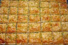 Baklava, ein leckeres Rezept aus der Kategorie Türkei. Bewertungen: 229. Durchschnitt: Ø 4,6.