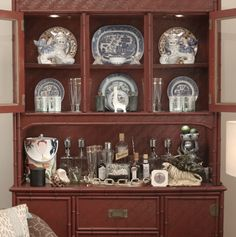 A hutch with a vintage bar is always an excellent idea as the centerpiece for any small space. Vintage Bar, Vintage Shops, Hutch Ideas, Small Places, Color Mixing, Centerpiece, Dish, Entertaining, Decorating