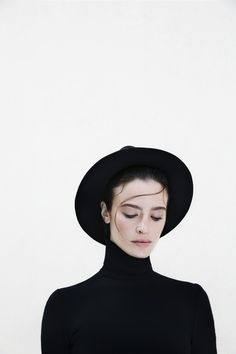 Nata in black | maralazaridou | VSCO Grid®