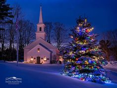 New England Christmas - Marlow is a stereotypical Yankee rural village in western New Hampshire. It includes a picturesque village center with the prerequisite white-steeple church as its centerpiece. This image was made at dusk. Christmas Scenery, Christmas Artwork, Noel Christmas, Christmas Pictures, Winter Christmas, Christmas Lights, Vintage Christmas, Christmas Decorations, Christmas Print