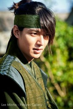 Lee's hairs are most beautiful than any girls hairs. He looks handsome in this hairstyle Korean Drama Movies, Korean Actors, Lee Min Ho Movies, Lee Min Ho Faith, Lee Min Ho Dramas, Kim Hee Sun, Lee Min Ho Photos, The Great Doctor, Man Lee