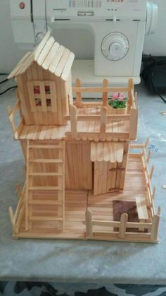 Crafts Made With Popsicle Sticks Crafts Made With Popsicle Stick. - Crafts Made With Popsicle Sticks Crafts Made With Popsicle Sticks - Popsicle Stick Crafts House, Craft Stick Crafts, Easy Crafts, Diy And Crafts, Craft Ideas, Plate Crafts, Diy Projects With Popsicle Sticks, Craft Sticks, Resin Crafts
