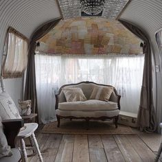 125 best images about V I N T A G E   C A M P E R S on Pinterest   5th  wheels, Camper makeover and Vintage trailers