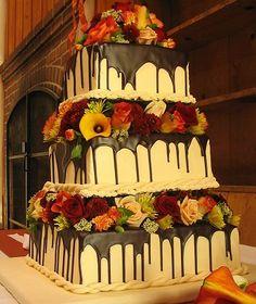 Wedding cake idea Repinned by Every Bloomin' Thing #IowaCityFlorist #IowaCityWedding