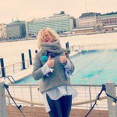 Thumbs - two - up to Allas @allasseapool refreshing & relaxing in the middle of Helsinki #seapool #sauna #saunaunescoon #helsinki #visithelsinki #lunchbreakselfie #butfirstletmetakeaselfie