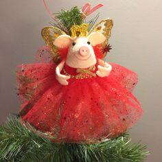 Piggy on the Christmas tree