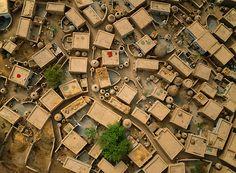 Desert Air: Earth Captured From a Paraglider | George Steinmetz, Island Village near Ayorou, Niger.