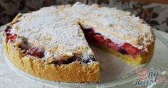 Křehoučký koláček s ovocem, který dokonale osvěží. Je sezóna jahod, tak určitě vyzkoušejte. Křehký sníh na vrchu výborně ladí s ovocem. Autor: Adanecka