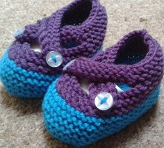 Blue knitted pre-shoes, booties, bootees, 0-4 months, FREE UK POSTAGE £9.00
