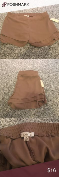 Dress shorts! Size M never been worn shorts with tags attached. These are perfect for a night out! Elastic band at the top so really comfortable Arden B Shorts