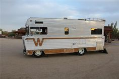 Side profile of the 1972 Winnebago Brave