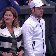 What a nice match today 😄 and she was there 👑💗 with serious coach Seve 😜 haha (credits to @Semekat twitter) #mirkafederer#rogerfederer#federer#tennis#sport#wimbledon#queen#love#cute#beautiful