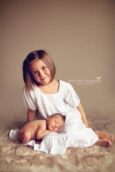 Newborn and Sibling Photo Inspiration.