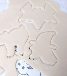 This batch of extremely easy sugar cookies was a hit! Use this recipe to create your own batch of sugar cookies. Sugar Cookies Ingredients Wet Ingredients All-Purpose Flour: This sugar cookie recipe requires flour to create the cookie dough and flour for rolling. Lightly, sift the flour to remove any lumps and unwanted debris which … No Bake Sugar Cookies, Sugar Cookie Recipe Easy, Roll Cookies, Sugar Cookie Dough, Cookie Recipes, Oatmeal Raisin Cookies, Cookie Tray, Cookies Ingredients, Cream And Sugar