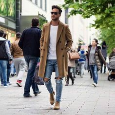 42 comfy winter fashion outfits for men in 2015 clothes moda Mode Masculine, Mantel Camel, Stylish Men, Men Casual, Casual Winter, Casual Chic, Mens Winter, Business Casual Coat Men, Casual Jeans