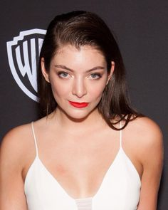 #lorde at the #goldenglobes w #makeup by me!