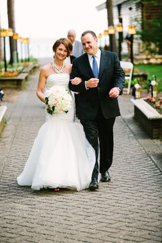 """Offering you a beautiful Minnesota destination wedding, Grand View Lodge is the perfect place to say, """"I do"""". The Historic Grand View Lodge, located on Gull and Roy Lake, offers luxury accommodations, casual-to-elegant dining, championship golf courses, on-site Glacial Waters Spa, tennis courts, and an indoor pool with waterslide. Also look into Grand View Lodge for your Bachelor or Bachelorette party."""