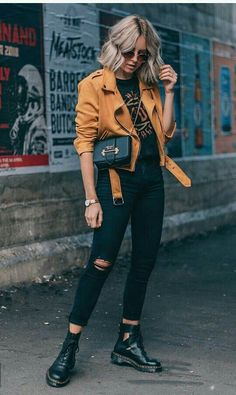 jeans outfit night Mustard yellow moto jacket with black ripped jeans and cutout black booties and . Mustard yellow moto jacket with black ripped jeans and cutout black booties and graphic t-shirt. Rose Gold watch, black cross body bag and sunglasses. Comfy Fall Outfits, Fall Winter Outfits, Autumn Winter Fashion, Casual Outfits, Casual Winter, Spring Outfits, Dress Casual, Rock Fall Outfits, Autumn Style Women