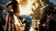 Ukraine: live rounds fired on crowds as truce falls apart
