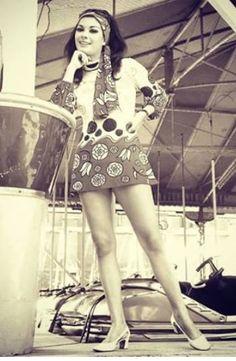 psychedelic 60s mini