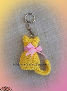 Ideas de Crochet: Gatito llavero Ideas de Crochet: Gatito llavero Learn the fact (generic term) of h Cat Keychain, Crochet Keychain, Crochet Earrings, Chat Crochet, Free Crochet, Crochet Baby, Crochet Butterfly, Crochet Flowers, Crochet Gifts