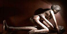 Inde - couple en bois sculpté polychrome. L: 50 cm Musée de l'érotisme