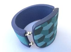 In this tutorial you will learn to make a bracelet very mathematical. With…