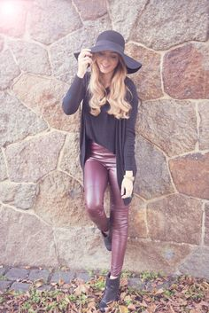 outfit of the day autumn hat leather pants in burgundy blonde  www.picturesofclementine.de