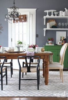 Summer Dining Room as part of IBC's Summer Home Tour 2016 | inspiredbycharm.com