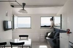 Small But Well-Organized Apartment In Camogli | DigsDigs