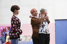 Lmao Admin VICKY * 방탄소년단 뷔태형 * Like this post & recents Give full ©® pls Namjoon, Taehyung, Seokjin, Hoseok, Taemin, Shinee, Leeteuk, Jung Kook, Rap Monster