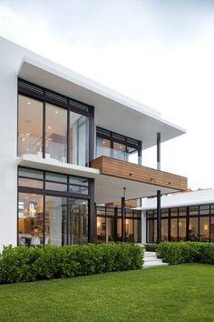 White Exterior Houses, Modern Exterior House Designs, Dream House Exterior, Modern Architecture House, Modern House Plans, Modern House Design, Contemporary Design, Modern Houses, Modern Garage