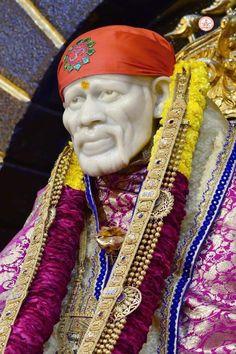 Sai Baba Hd Wallpaper, Lakshmi Images, Baba Image, Om Sai Ram, Lord Shiva, Loving U, Album Photos, Blessing, Faith