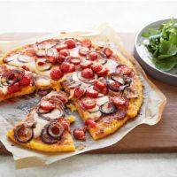 Polenta pizza margherita