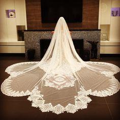 """Mi piace"": 13.7 mila, commenti: 150 - Galia Lahav (@galialahav) su Instagram: ""Its all about the veil, Just finished Day No 1️⃣ #NYBFW... 💪🏼 can't wait for tomorrow"""