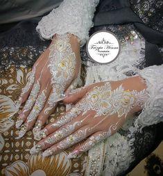 White Henna Tattoo, Gold Tattoo, Mehndi Tattoo, Henna Tattoo Designs, Henna Mehndi, Henna Art, Mehndi Designs, Mehendi, Henna Kunst