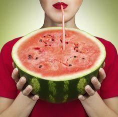 Watermelon can be a festive drink dispenser! essentials: a ripe watermelon, kitchen knife, ice cream scoop, spigot, and apple corer. Watermelon Keg, Watermelon Recipes, Refreshing Drinks, Summer Drinks, Juice Dispenser, Beverage Dispenser, Coconut Drinks, Summer Recipes, Macedonia