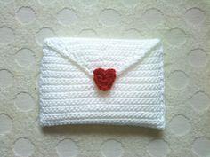 「ラブレターケース」スナップ留めのラブレターです。ポケットティッシュ用につくりました。[材料]手編み糸 スナップ