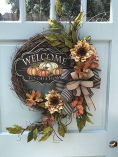 super Welcome Sunflower Fall wreath for front door Autumn Pumpkin Floral Grapevine Wreath for Door, Friends wreath for front door, pumpkin wreath - Dekoration Herbst - Easy Fall Wreaths, Diy Fall Wreath, Thanksgiving Wreaths, Summer Wreath, Holiday Wreaths, Wreath Ideas, Mesh Wreaths, Autumn Wreaths For Front Door, Floral Wreaths