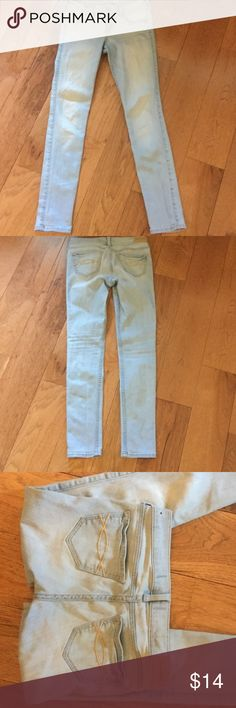 Girl's Abercrombie lightwash skinny jeans Excellent gently used condition abercrombie kids Bottoms Jeans