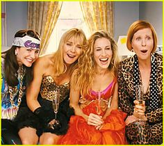 Adventures of Carrie Bradshaw (Sarah Jessica Parker), Samantha Jones (Kim Cattrall), Charlotte York Goldenblatt (Kristin Davis), and Miranda Hobbes (Cynthia Nixon) Sarah Jessica Parker, Kristin Davis, Kherington Payne, Beautiful Words, Beautiful People, Pretty People, Amazing People, Beautiful Images, Under Your Spell