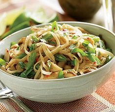Stir-Fried Thai Noodles with Chicken, Mushrooms & Green Beans